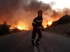 Лесные пожары вокруг Афин распространились на десятки километров