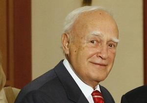 Премьер Греции выступил за переизбрание действующего 80-летнего президента страны