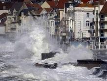 В Великобритании и на Севере Франции осложнились погодные условия