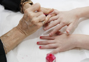 Медики назвали самые вредные для здоровья косметические процедуры