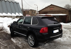 Милиция задержала нетрезвого киевлянина за рулем автомобиля с эстонскими номерами