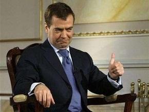 В российском городе перед приездом Медведева заасфальтировали железную дорогу