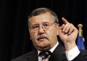 Гриценко: Янукович оказался перед выбором применения власти