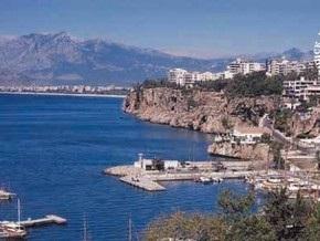 В Анталии дирекция отеля взяла в заложники более ста туристов