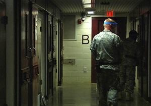 Более половины заключенных Гуантанамо подключились к голодовке