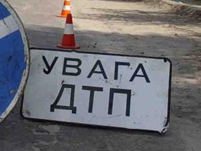 В Кременчуге на остановке автомобиль насмерть сбил подростка