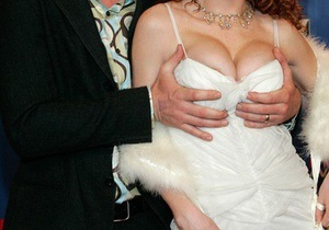 В Одессе супружеская пара организовала интернет-порностудию
