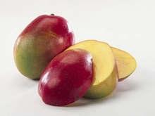 Жительница Швеции увидела Аллаха в разрезанном манго