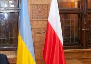 Польша не отменит визы для украинцев на период Евро-2012