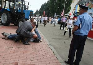 Адвокат: Охраннику Януковича показалось, что у журналиста СТБ в руках была граната