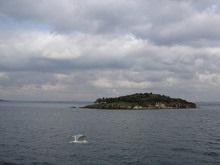 Португалия продает остров