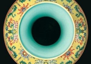 На аукционе в Лондоне китайская ваза продана за рекордные $83 млн