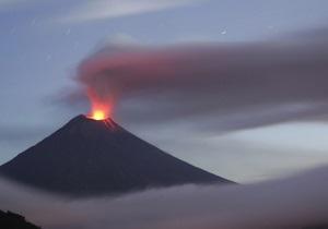 В Эквадоре начал извергаться вулкан Тунгурагуа: пепел поднялся на высоту 10 км