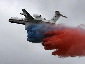 Путин сел за штурвал самолета-амфибии и потушил два пожара