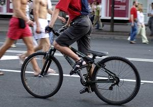 Российские милиционеры вернули львовянину велосипед