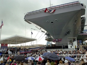ВМС США получили в свое распоряжение авианосец Джордж Буш