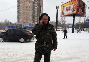 снег в Киеве - непогода - пробки - В Киеве 300 военнослужащих внутренних войск МВД задействованы в уборке снега