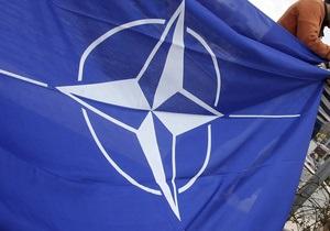 Президент ПА НАТО будет требовать от Януковича помиловать Тимошенко для ее лечения за границей