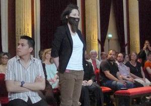 Бородатые феминистки Франции объявили войну сексизму