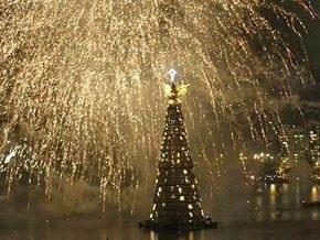 В Рио-де-Жанейро зажглась самая большая плавучая елка