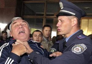 Корреспондент: Однажды в милиции. Календарь трудовых будней украинской милиции в 2012 году