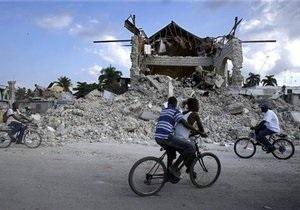 На Гаити спасен мужчина, пролежавший под завалами 11 дней