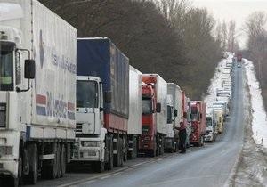 DW: Украинская бюрократия блокирует поступление гуманитарной помощи