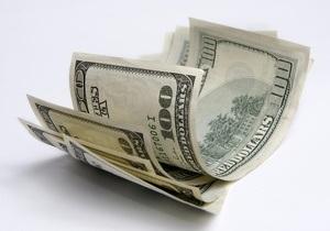 Курс валют: доллар и евро застыли от безделья