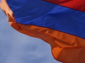 На выборах в Ереване телохранители депутата избили журналистов