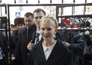 Тимошенко вышла после допроса, который длился шесть часов (обновлено)
