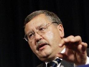 Гриценко: Яценюк пошел на войну с коррупцией, но не взял боеприпасы