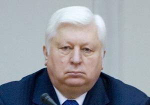 Пшонка пообещал объективно расследовать драку в парламенте