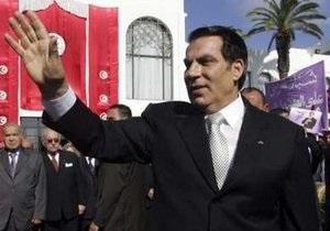 Источник: Президент Туниса бежал в одну из стран Персидского залива