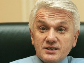 Литвин выступил за временное отстранение Луценко от должности