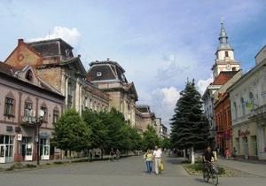 На Закарпатье проходит референдум об изменении названия города с украинского на венгерский
