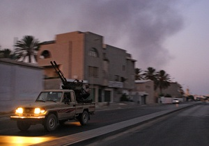 СМИ: Противники Каддафи удерживают 75% территории Триполи
