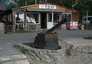 новости Киева - Гидропарк - Очеретяний кіт - В Гидропарке демонтируют кафе Очеретяний кіт