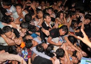В давке на мосту в Пномпене погибли 180 человек