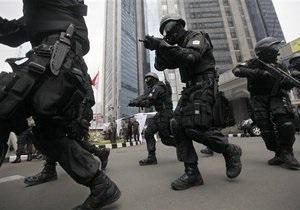 В столице Индонезии полиция вывела на постоянное дежурство 40 снайперов