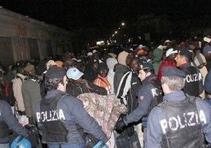 В ходе массовых беспорядков в Италии ранены около 40 человек