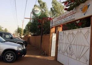 Двое похищенных в Нигере французов погибли при попытке их освободить