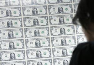 Доллар на межбанке стремится к максимуму трех лет