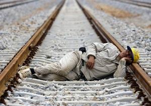 В Закарпатье поезд Будапешт - Москва травмировал уснувшего на шпалах мужчину