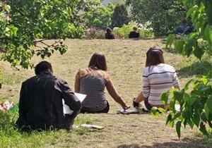 В киевских парках и скверах появится охрана