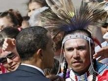 Обама стал членом племени индейцев и получил имя Барак Черный Орел