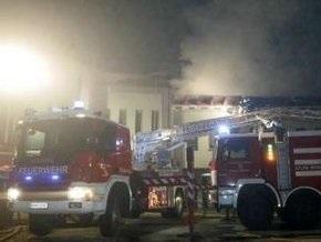 В Австрии самолет упал на здание полиции