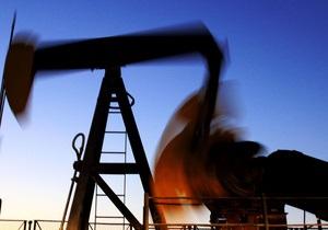 Мировые цены на нефть незначительно снизились