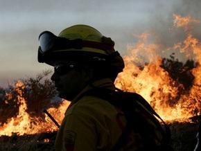 Крупный пожар в Калифорнии: огонь подобрался к Лос-Анджелесу