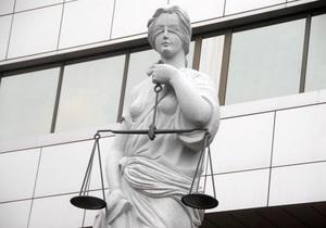 Янукович предложил запретить Верховной Раде назначать судей