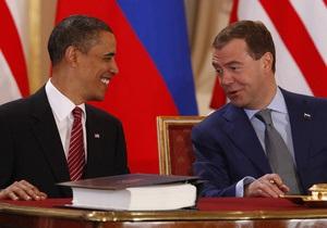 Медведев готов общаться с Обамой при помощи sms